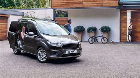 Ford Tourneo Courier » Autohaus Holz