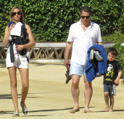 First Glimpse Of Hugh Grant With His Children - http