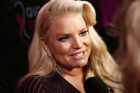 Jessica Simpson Did These 5 Things Every Day to Lose 100