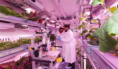 Space-Focused Indoor Farms : food production in space