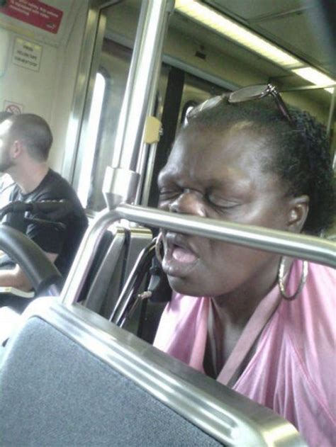 29 Weird Things Seen on Public Transportation - FunCage